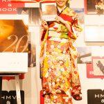 松井愛莉、同い年のファンと一緒に「ハタチ」をお祝い!スタイルBOOK 発売記念「バースデー振り袖女子会~ハタチのファン20名とプレ成人式~」